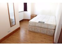 Double room available 01/11 for single person