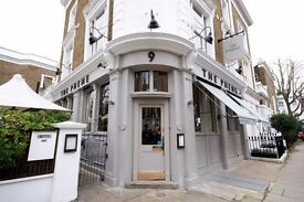 EXPERIENCED Full and Part Time Waiters Needed, Award Winning Chelsea Super Pub/Restaurant/Bar