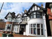 6 bedroom house in Belmont Hill, Lewisham SE13