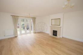 3 bedroom house in Greenfield Drive, East Finchley