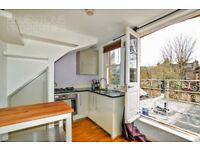 1 Stylish 1 Bedroom flat on Bedford Hill-Available now-Very close to station-Juliet Balcony-Call now