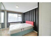 1 Bed Flat N11 £1000pcm *Communal Garden & Free Parking*