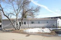 Immaculate 2 Bedroom Mobile Home