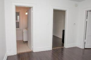 Large 2 Bed in Kitchener near Victoria & Weber-Spacious Layouts!