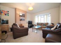 Spacious 3 bedroom flat in Hackney Wick available now dss accepted with guarantor