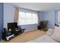 1 bedroom flat in Bideford Green, Linslade, Leighton Buzzard, Bedfordshire, LU7