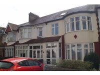 DSS WELCOME WITH A GUARANTOR - 4 BEDROOM TERRACED HOUSE IN WINCHMORE HILL, N21