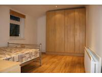 AVAILABLE IN 3 WEEKS! 3 Bed Flat in MANOR PARK to rent.
