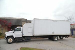 2006 GMC Topkick Expedite truck, sleeeper and power lift gate