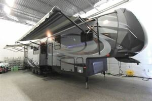 2014 Heartland CYCLONE 4000 FW GARAGE de LUXE