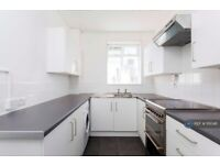 3 bedroom flat in Padstow House, London, E14 (3 bed) (#1111048)