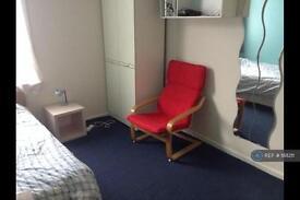 1 bedroom in Litchfield Gardens, London, NW10