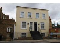 1 bedroom in Queen's Crescent, London, NW5