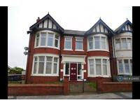 2 bedroom flat in Warley Road, Blackpool , FY1 (2 bed)
