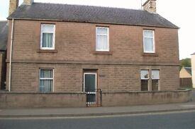 EXTREMELY GENEROUS TWO-BEDROOMED GROUND FLOOR PROPERTY AVAILABLE TO RENT