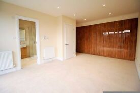 *4bedroom 2 bathroom family HOUSE available NOW in North Finchley! BRAND NEW!!!***