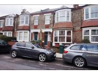 3 bedroom flat in Kitchener Road, London, N2 (3 bed)