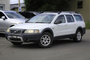 2005 Volvo XC70 2.5T AWD! HEATED LEATHER! SUNROOF!