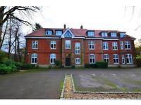 2 bedroom flat in Old Rectory Court, Wood Street, Barnet, EN5