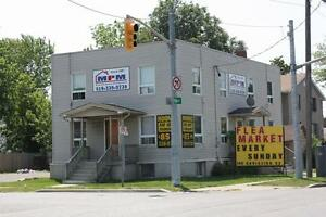 Rooms for Rent by the Week @ only $75-80 or by the month for... Sarnia Sarnia Area image 1