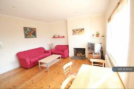 1 bedroom flat in Hale Lane, Mill Hill, NW7 (1 bed)