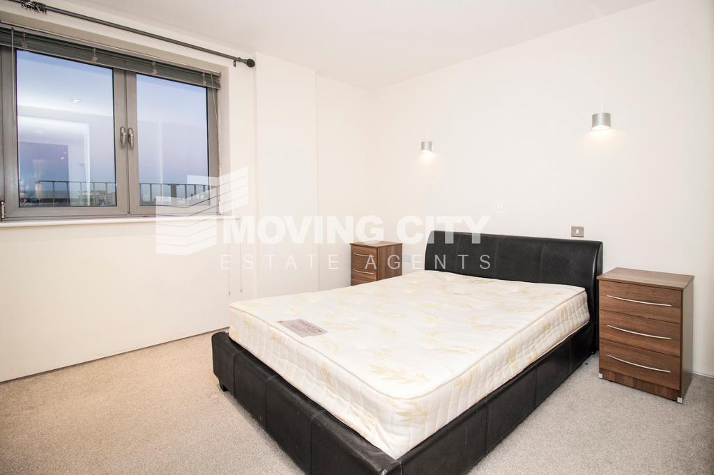 2 bedroom flat in Plumbers Row, The Spaceworks, Aldgate