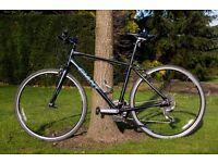 Giant Escape Hybrid bike, Mint condition, Size M, 21 gears,Includes pump,bottle holder, city centre,