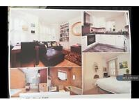 2 bedroom flat in Effra Road, London, SW2 (2 bed)