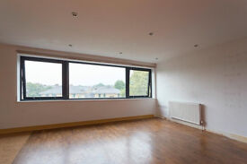 ** 3 Bed in Palmers Green**