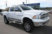 2011 Dodge Ram 1500 Laramie Crew Cab 4X4 - Fully loaded with 4 l