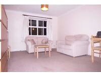 GOOD SIZE 1 Bed Flat in Riverdale Drive, Earlsfield, SW18!!Close to Train Station!!