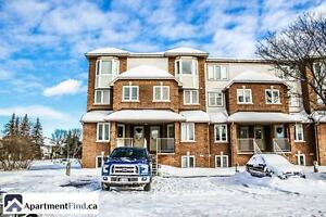 Lovely two bedroom condo in Hunt Club area!