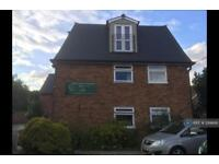 3 bedroom flat in Priory Court Apartments, Hatfield Peverel, CM3 (3 bed)