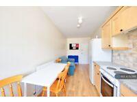 3 bedroom flat in London Bridge, London Bridge, SE1 (3 bed) (#1110368)