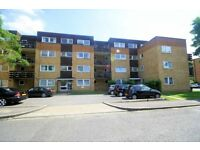 Stanmore - Spacious 1 Bedroom Flat with off street parking & Balcony