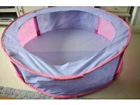 Fold up ball pit