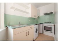Bright and fully furnished 1 bed flat in Victorian building in Whitechapel/Shoreditch border