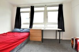 **CANARY WHARF LOCATION 3 BEDROOM FLAT TO RENT NOW. VIEWING RECOMMENDED**