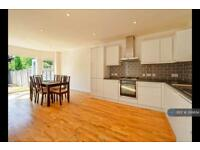3 bedroom house in Shakespeare Road, London, W3 (3 bed)