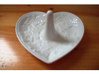 Vintage 1996 Wedgwood 'Classic Garden' design white heart shape ring holder/dish. £8 ovno.
