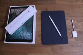 IPad Pro 10.5 256GB + Apple Pencil + Smart Cover + SD Card adapter