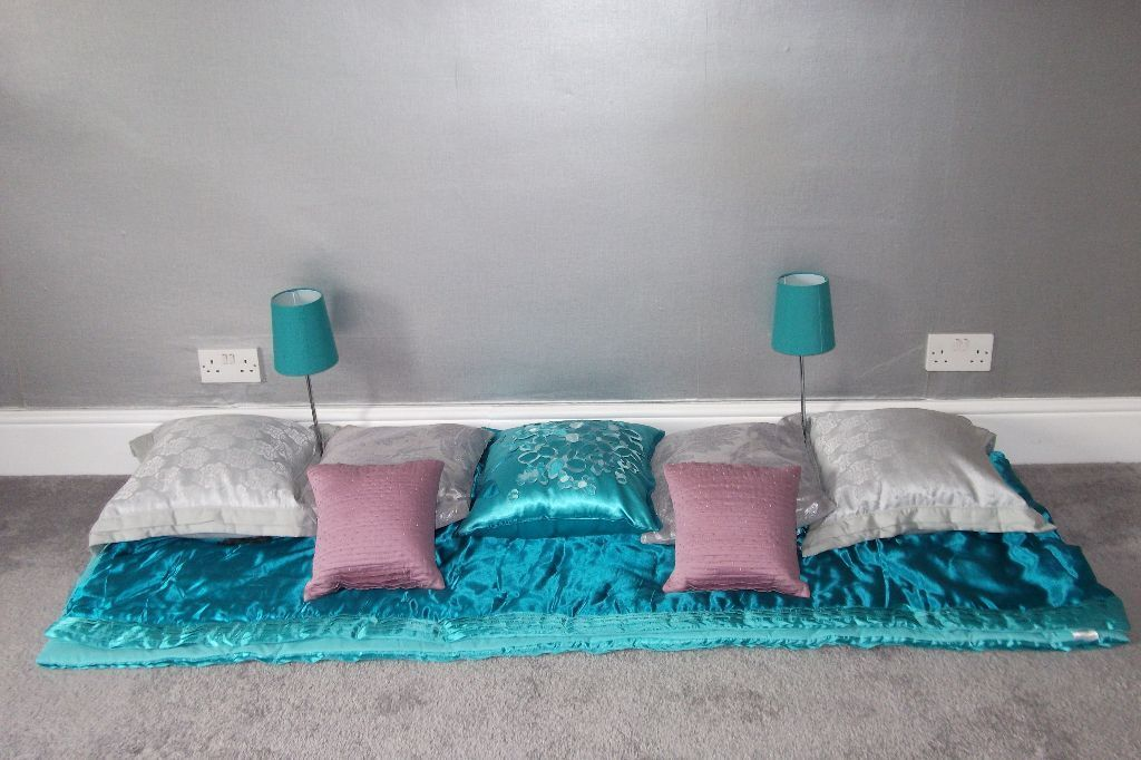 Variety of teal and silver bedroom accessories, of good quality and ...