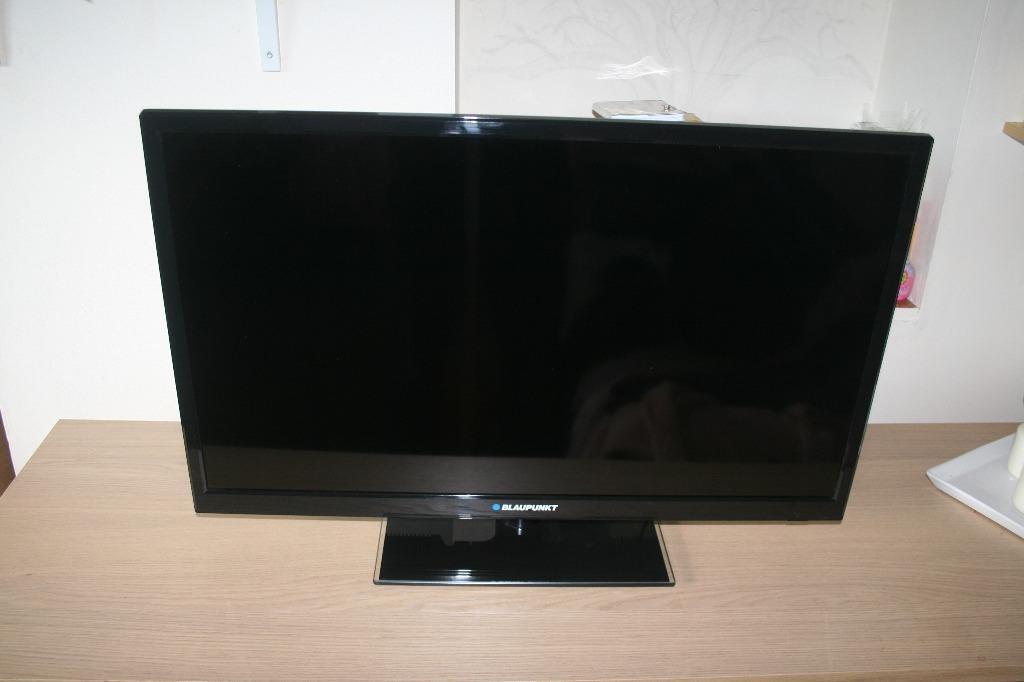 blaupunkt led tv 81cm 32 100 amr in henley on thames. Black Bedroom Furniture Sets. Home Design Ideas