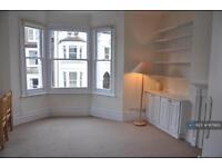 1 bedroom flat in Leathwaite Rd, London, SW11 (1 bed)