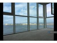 2 bedroom flat in Horizon Tower - Prospect Place, Cardiff Bay, CF11 (2 bed)