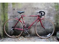 RALEIGH FROM THE 60s. 21.5 inch, 55 cm. Vintage racer racing road bike, 5 speed