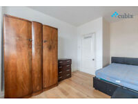 Large 4 double bedroom flat with 2 bathrooms and 2 balconies in Elephant and Castle.