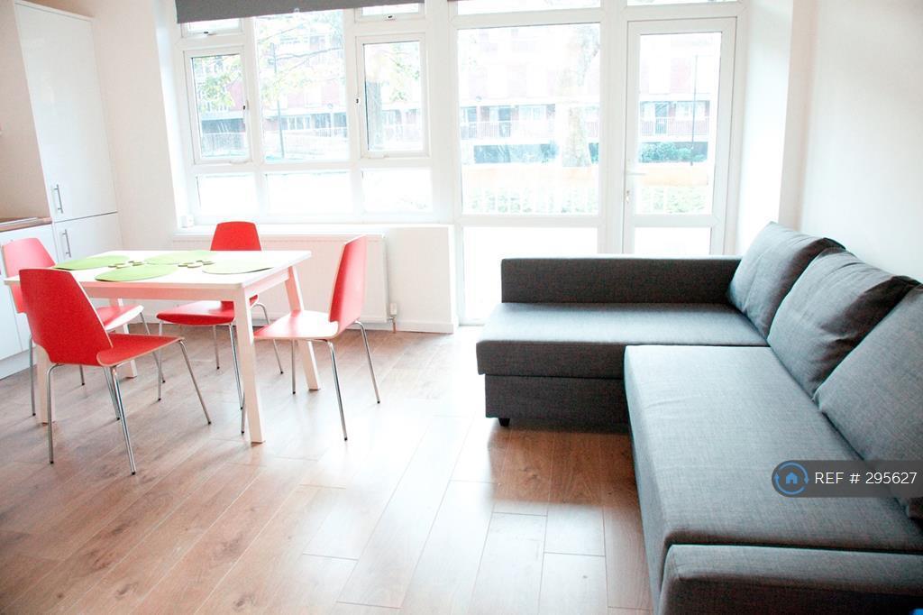 3 bedroom flat in Hanbury Street, London, E1