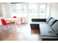 3 bedroom flat in Hanbury Street, London, E1 (3 bed)