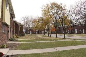 Windsor 3 Bedroom Townhouse for Rent: Basement, yard, pets OK
